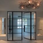 Stalen deuren en smeedijzeren en suite deuren