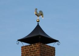 Smeedijzeren schoorsteenkappen en schoorsteen decoratie (1)